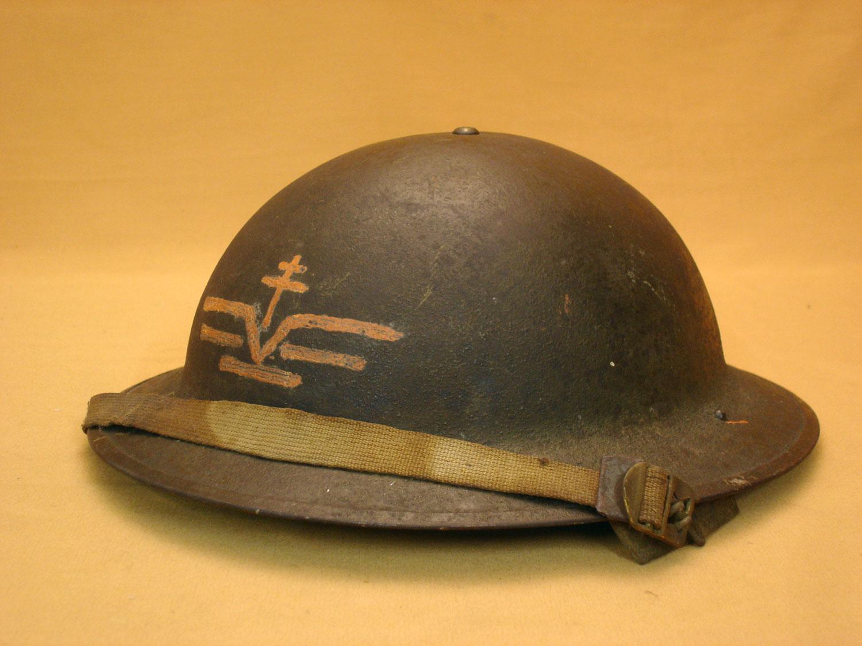 Casque US 1917 A1 utilisé par les FAFL.