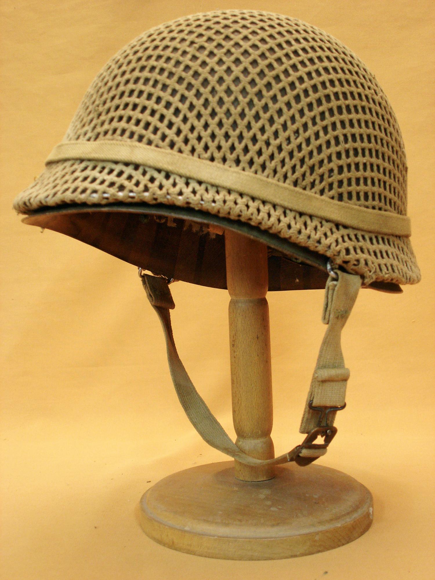 Casque USM1 d'un soldat en Indochine.