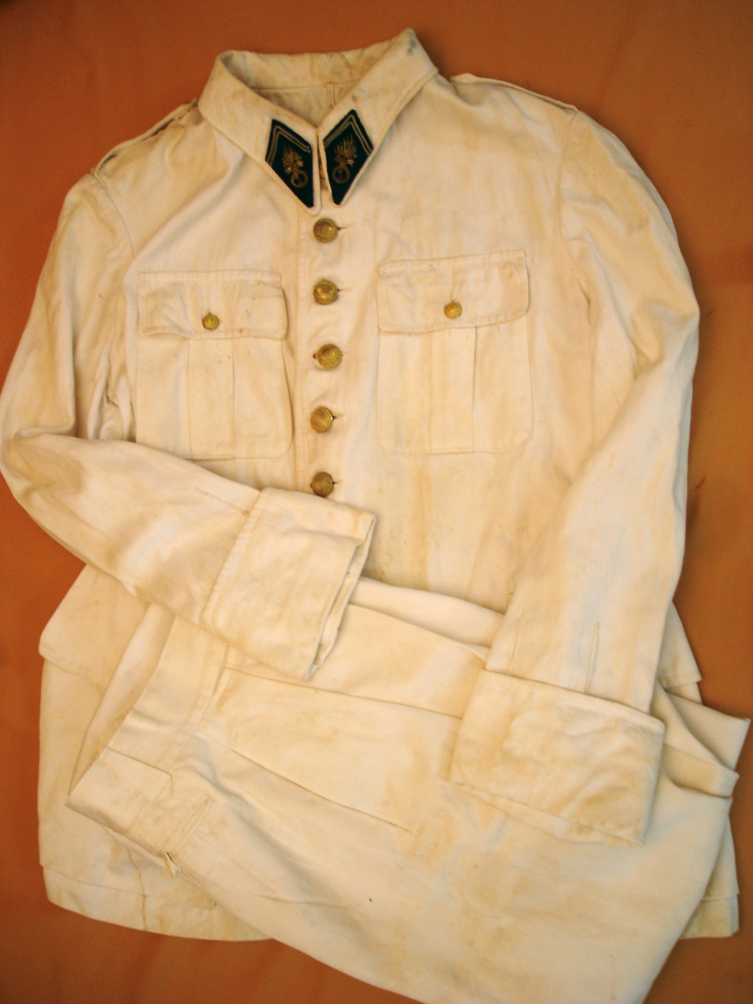Tenue blanche d'un officier du 1er REI, années 20.