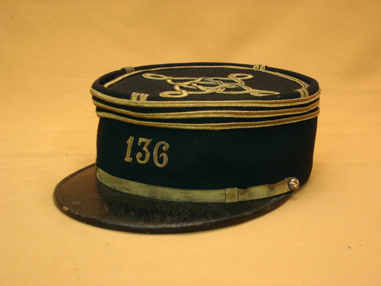 Képi Polo 1915 d'un capitaine du 136e Régiment d'artillerie.