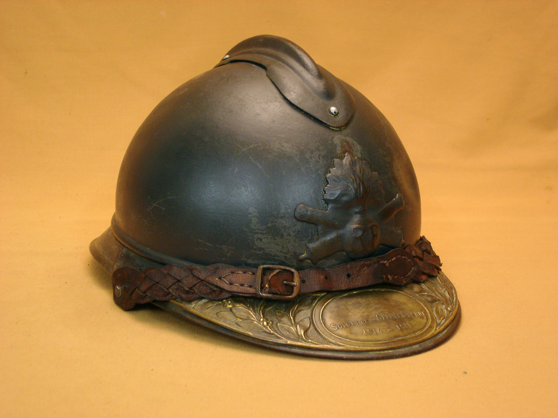 Casque Adrian 1915 d'officier d'artillerie.