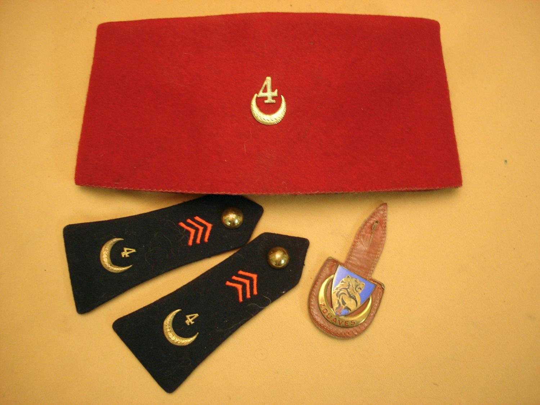 Chechia et insignes du 4e Zouave.