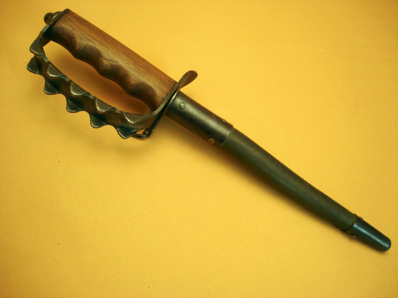 "Poignard U.S 1917 ""Trench knife""."